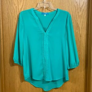 Green 3/4 sleeve blouse